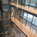 kładki wewnętrzne na budowie Comarch w Łodzi
